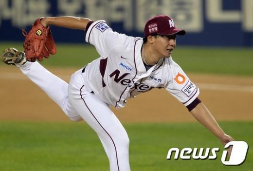 [사진]넥센 오재영 '7차전으로 가자!'