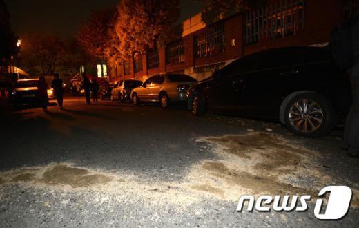 [사진]대낮 주택가에서 벌어진 주차 시비 '칼부림'