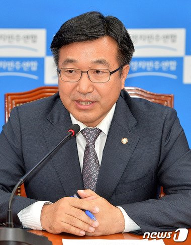 윤호중 기획재정위원회 새정치민주연합 간사 /뉴스1 © News1 박세연 기자