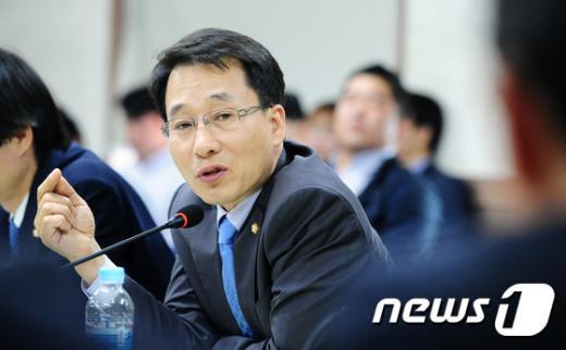 이원욱 새정치민주연합 의원. 2014.10.08/뉴스1 © News1 김대웅 기자