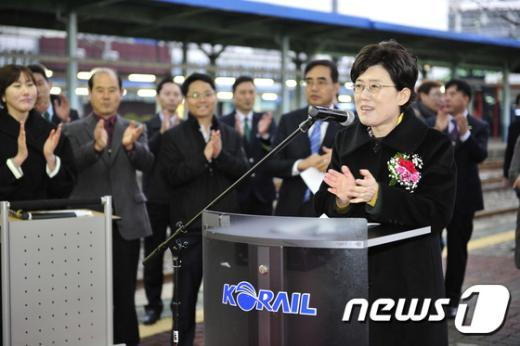 [사진]축사하는 최연혜 코레일 사장