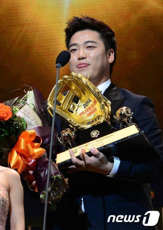 [사진]박석민, 3루수 부문 골든글러브 수상