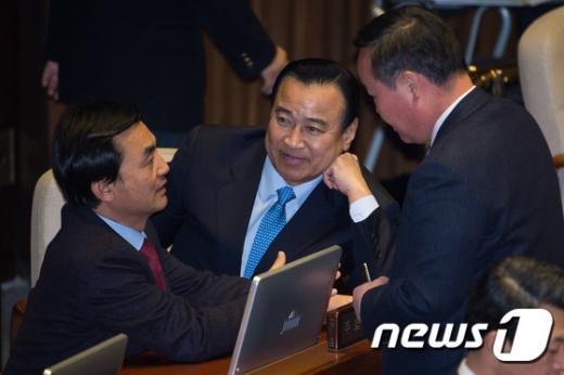 [사진]與 지도부 찾은 안규백 새정치민주연합 원내수석부대표