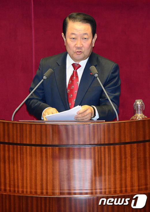 [사진]비선실세 의혹 관련 질문하는 박주선 의원