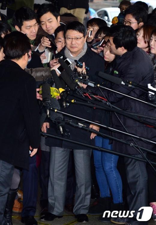 [사진]검찰 출석하는 박지만 EG 회장