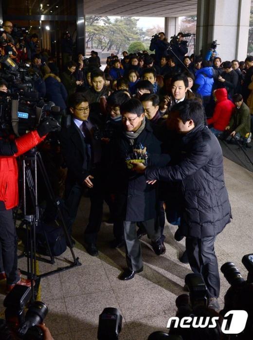 """[사진]박지만 """"검찰에서 밝히겠다"""""""