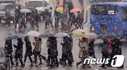 [사진]눈·비 온 뒤 한파 시작