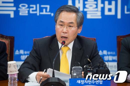 """[사진]우윤근 """"비선실세 국정개입, 검찰 수사 손 떼야"""""""