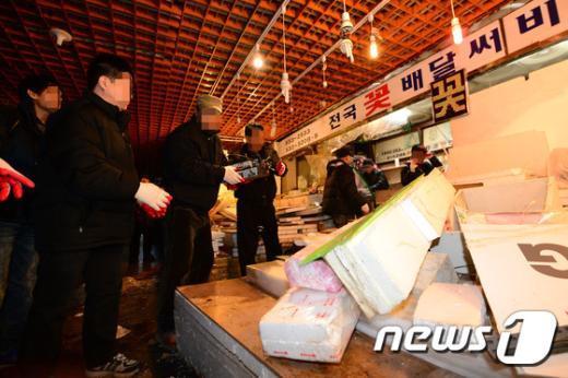 [사진]강남고속터미널, 강제명도집행 실시