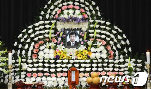 세월호 수색작업 중 사망한 민간 잠수사 고(故) 이광욱씨 빈소./© News1