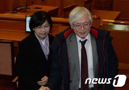 [사진]통합진보당 해산, 씁쓸한 표정의 이정희 대표