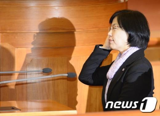 [사진]담담하게 주문 듣는 이정희
