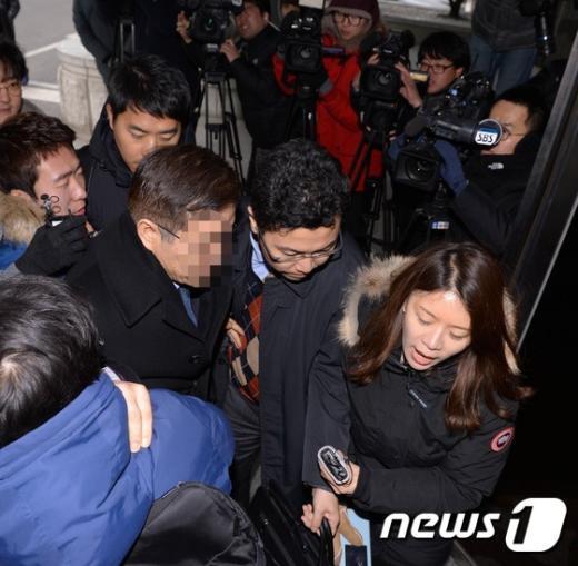 [사진]'땅콩리턴' 대한항공 상무 '재소환'...또 '묵무부답'