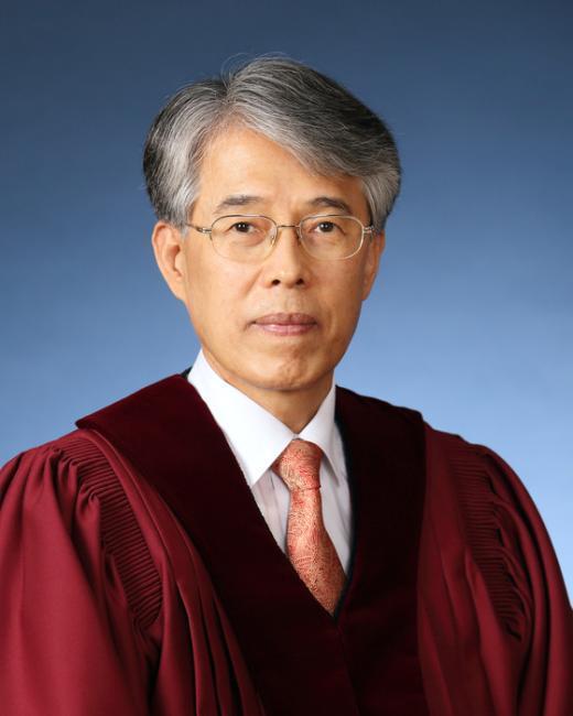 [사진][통진당 해산] 조용호 재판관