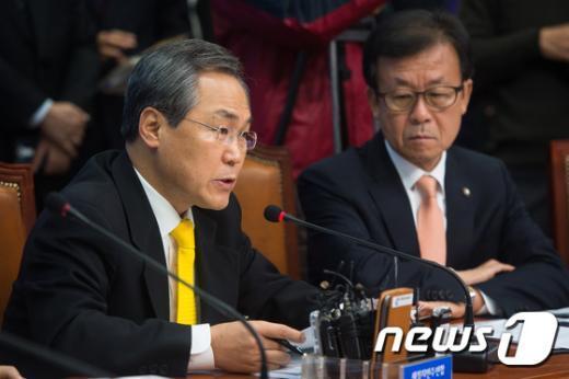 """[사진]우윤근 """"국회 운영위 소집해 의혹 풀어야"""""""