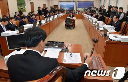 [사진]국회 국토위 전체회의