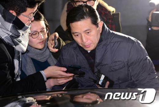 [사진]檢, 'KB 납품비리' 임영록 前지주회장 약 15시간 조사