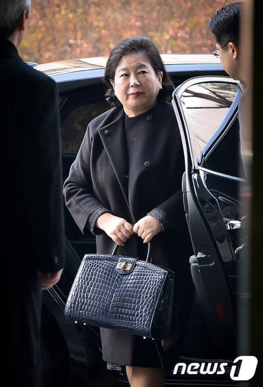 [사진]남북출입사무소 도착한 현정은 회장