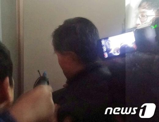 [사진]'땅콩회항' 봐주기 논란 국토부 조사관, 검찰 체포