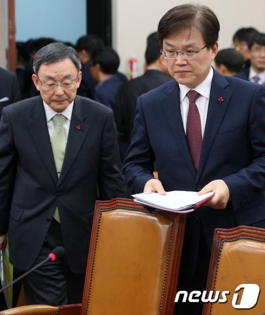 [사진]최양희 장관-최성준 방통위원장, 국회 법사위 출석
