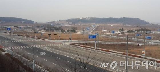 영종도 미단시티 전경. 도로와 공원만 조성돼 있다. /사진=김유경기자