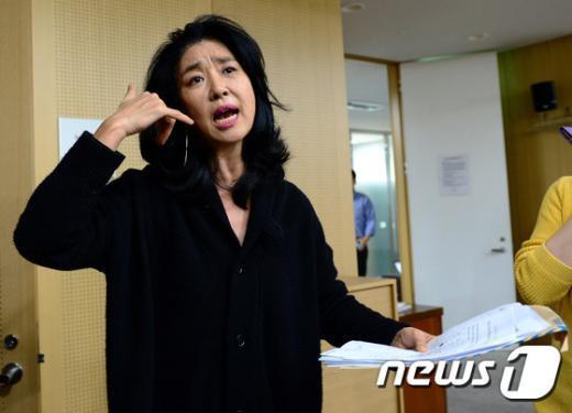 [사진]김부선 '동대표회장 등 전화도 안받다가...'