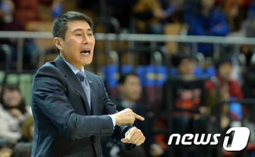 [사진]속타는 이상민 감독