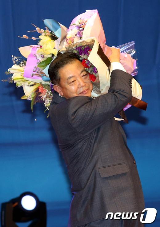 [사진]새정치연합 경기도당 위원장에 이찬열 의원 선출