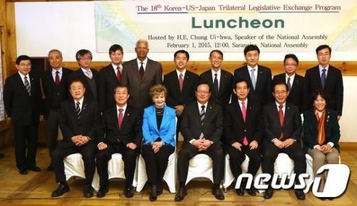 [사진]한미일 의원회의 '한자리에'