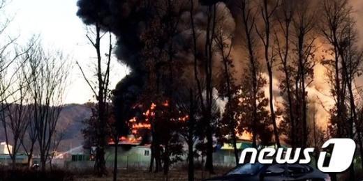 [사진]양주 마트에서 여성 분신 화재... '펑하는 폭발음'