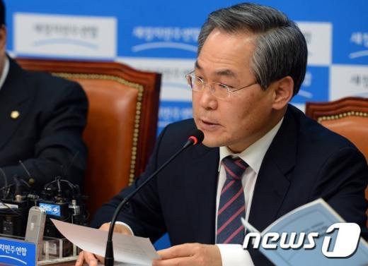 우윤근 새정치민주연합 원내대표 /뉴스1 © News1 허경 기자