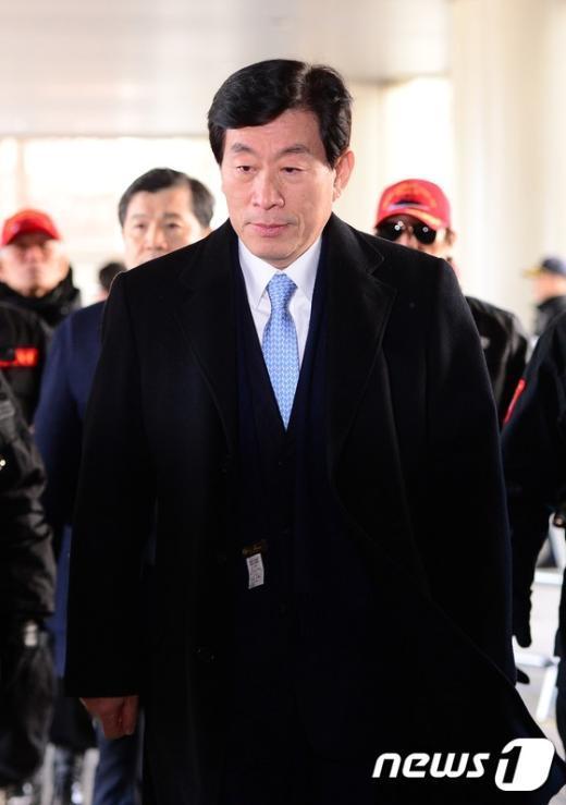 [사진]원세훈 '국정원 댓글 사건' 항소심 선고