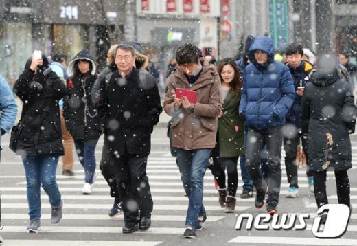 [사진]서울에 급작스레 쏟아진 눈