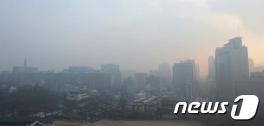 [사진]서울하늘 뒤덮은 미세먼지