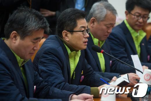 [사진]발언하는 이충재 전공노 위원장