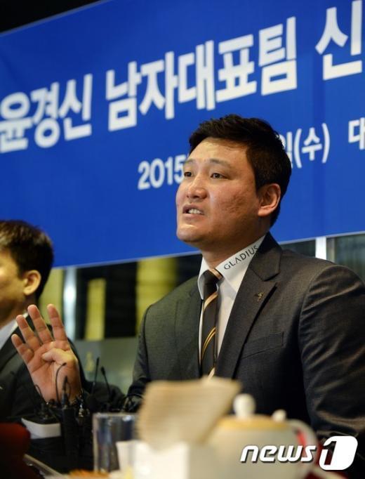 [사진]윤경신 감독의 각오는?
