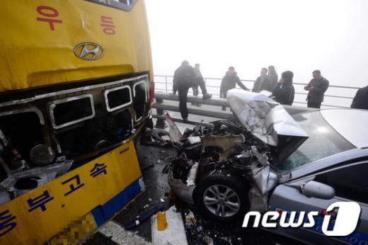 [사진]인천 영종대교 106중 추돌사고 현장