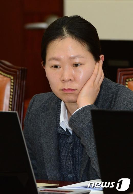 [사진]권은희 의원 '무슨 생각?'