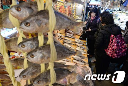 [사진]'어떤 생선을 설상에 올릴까'