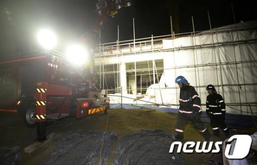 [사진]사당종합체육관 신축공사현장 천정 무너져 11명 매몰