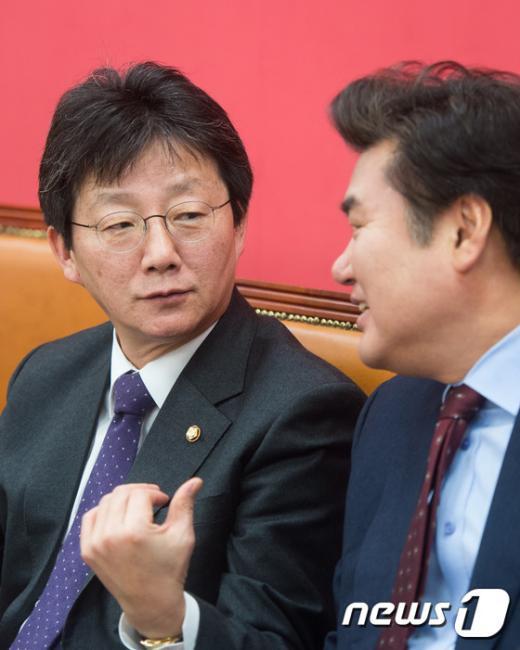 [사진]새누리당 원내지도부 '논의'