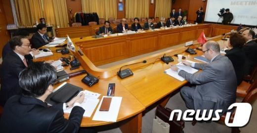 [사진]중견국협의체 '믹타' 첫 고위급회의