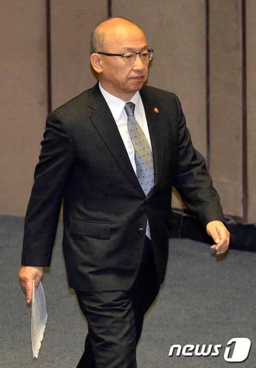 [사진]본회의 출석한 문형표 장관