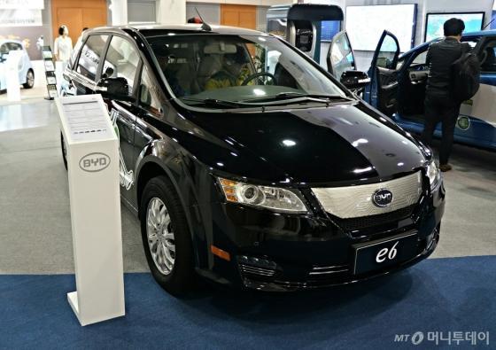 중국 BYD 전기차 E6./사진=박상빈 기자