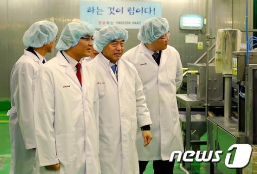 [사진]정연만 차관, 화학물질 관리실태 점검