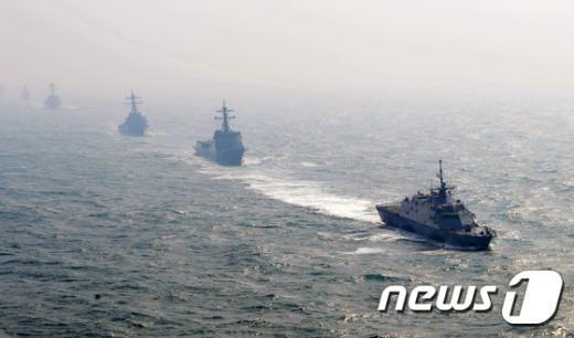 [사진]韓-美 해군, 서해 해상기동훈련