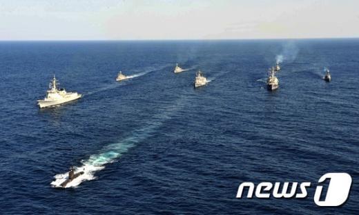 [사진]해군, 동해 한미연합해상기동훈련