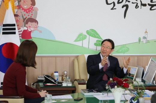 ▲한규호 강원도 횡성군수 인터뷰