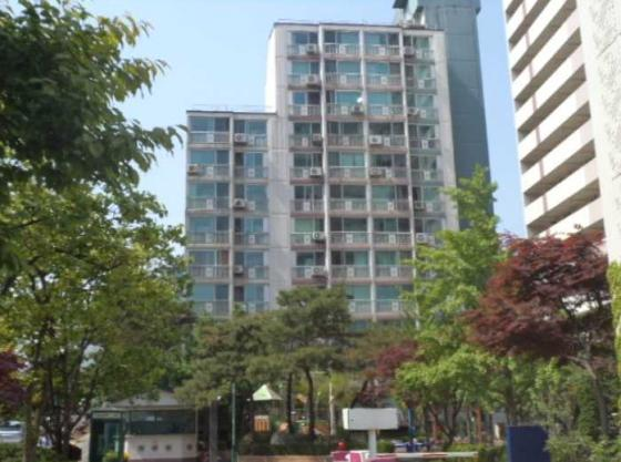 지난 3일 경매 진행된 서울 강남구 대치동 '대치삼성' 아파트 모습. / 사진제공=대법원