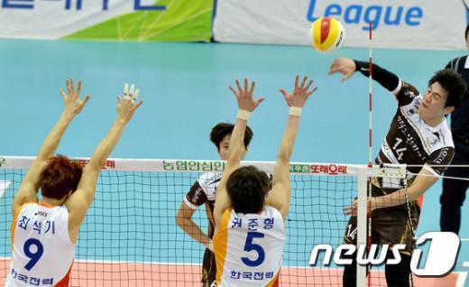 [사진]송희채 '날아올라'